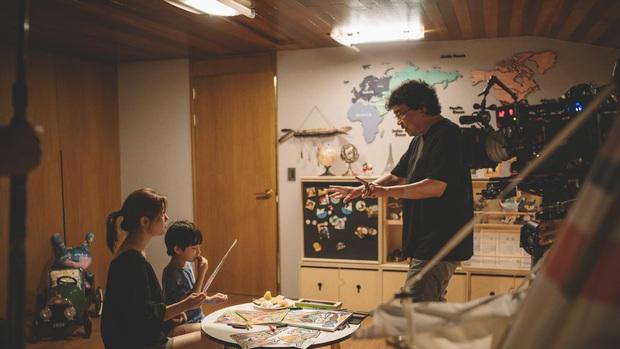 Bộ não kim cương Bong Joon Ho: 4 tượng vàng Oscar danh giá, phá bỏ rào cản phụ đề bằng ngôn ngữ điện ảnh! - Ảnh 12.