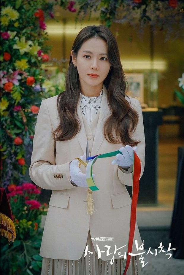 Chị đẹp Son Ye Jin U40 vẫn trẻ như gái 18 nhờ loạt kiểu tóc nữ tính tuyệt xinh trong Crash Landing On You - Ảnh 5.