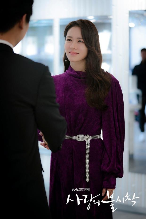 Chị đẹp Son Ye Jin U40 vẫn trẻ như gái 18 nhờ loạt kiểu tóc nữ tính tuyệt xinh trong Crash Landing On You - Ảnh 6.