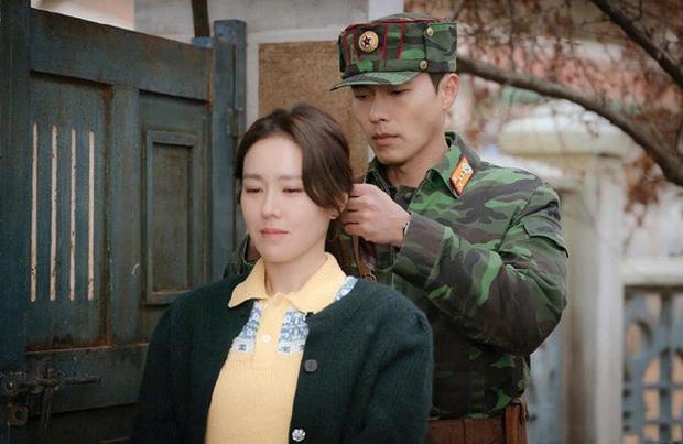 Chị đẹp Son Ye Jin U40 vẫn trẻ như gái 18 nhờ loạt kiểu tóc nữ tính tuyệt xinh trong Crash Landing On You - Ảnh 9.