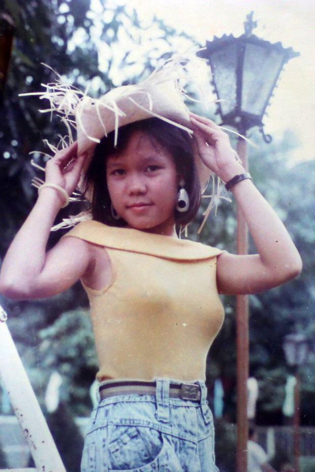 Việt Hương tiết lộ quá khứ từng hát vũ trường khi mới 15 tuổi - Ảnh 4.