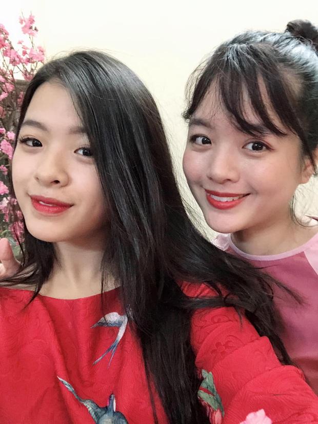 2 con gái NSƯT Chiều Xuân khoe ảnh đọ sắc với mẹ thời đôi mươi, netizen ngỡ ngàng vì quá giống nhau - Ảnh 3.