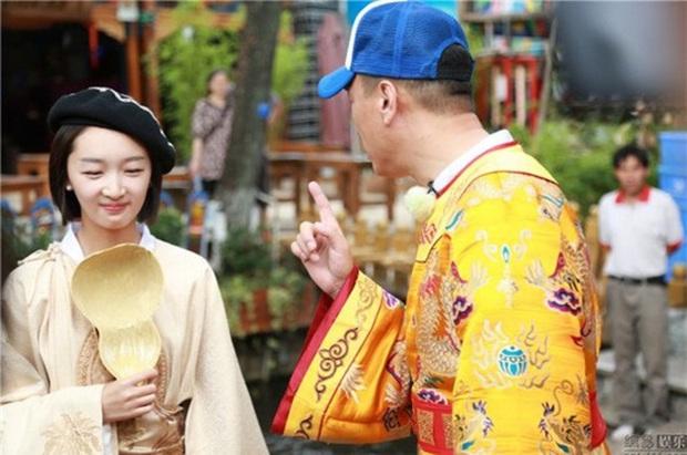 Khổ thân Châu Đông Vũ: Cứ đi show là gây tranh cãi, ăn mì tôm cũng không thoát khỏi thị phi - Ảnh 3.