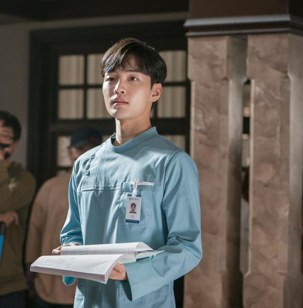 Park Bo Gum, Min Hyo Rin hay bạn gái Lee Kwang Soo... đều suýt debut làm ca sĩ, may mà chuyển ngạch diễn viên kẻo visual thời nay ra chuồng gà hết? - Ảnh 13.
