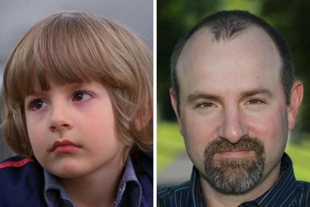 6 tuổi đã bị lừa đóng phim kinh dị, diễn viên nhí The Shining lớn lên mới kể hồi xưa tưởng đó là phim gia đình! - Ảnh 8.