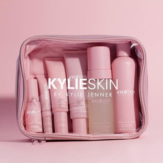 """Con đường trở thành tỷ phú trẻ nhất thế giới của Kylie Jenner: Từ đầu đã """"nhiều ăn liều"""", sản xuất tận 15.000 thỏi son ngay lần mở bán đầu tiên - Ảnh 5."""