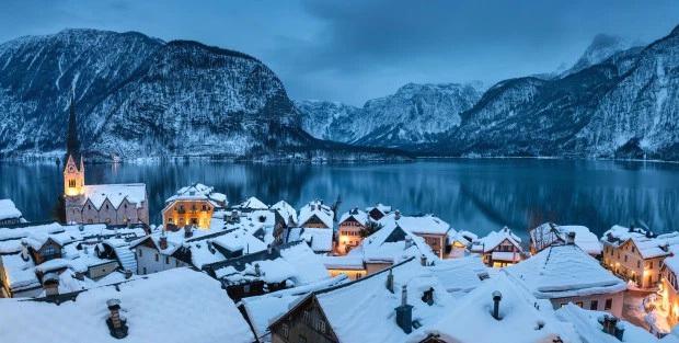 """Được biết đến là từng xuất hiện trong phim """"Frozen"""", thị trấn cổ nổi tiếng nước Áo đang bị huỷ hoại từng ngày với lượng khách… gấp 6 lần Venice - Ảnh 5."""