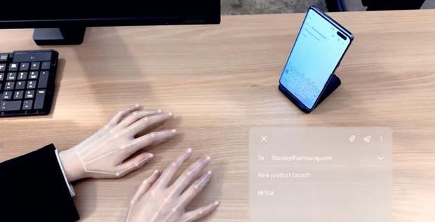 Bàn phím vô hình vừa trình làng bởi Samsung: Công nghệ không dành cho người quen mổ cò - Ảnh 1.
