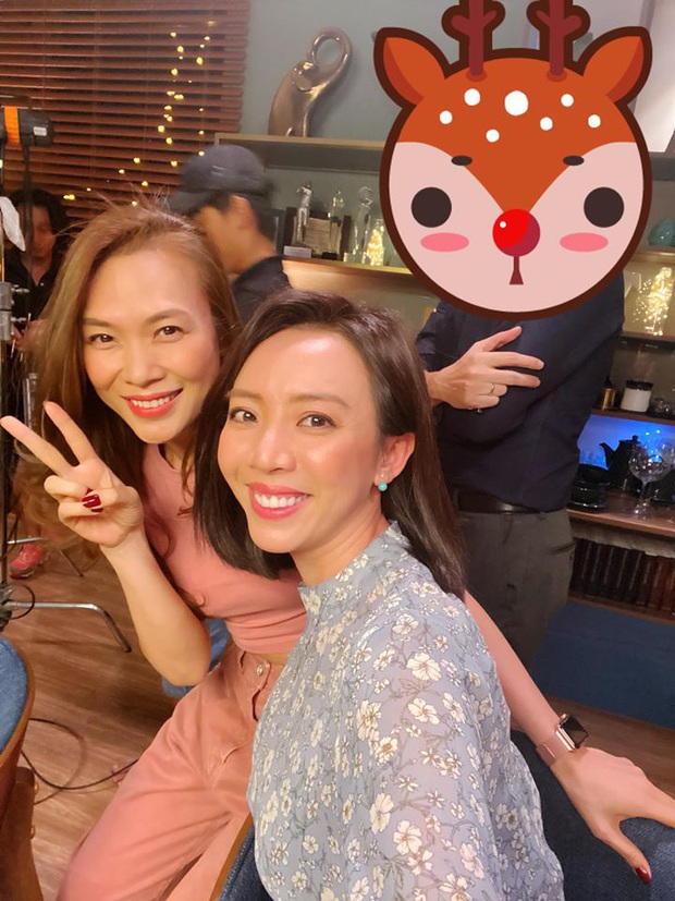 Chị Mười Ba Thu Trang đăng ảnh cùng Chị Trợ Lí Mỹ Tâm: Chị đẹp sẽ cameo Tiệc Trăng Máu? - Ảnh 1.