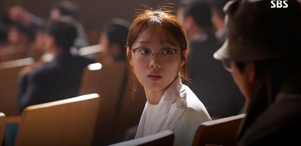 Chuẩn drama kế nhiệm Vị Khách Vip: Người Thầy Y Đức 2 của Lee Sung Kyung mở màn thâu tóm lượt xem - Ảnh 2.