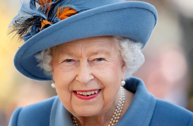 Nữ hoàng Anh lại tuyển dụng: Tìm trợ lý phục vụ không cần kinh nghiệm, bao ăn ở trong cung điện, lương sương sương hơn 500 triệu - Ảnh 1.