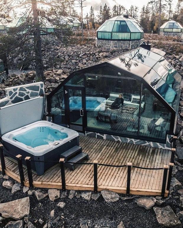 Khách sạn có view đắt giá nhất thế giới chính là đây: Nhà kính 360 độ tha hồ cho khách ngắm Bắc cực quang đẹp như một giấc mơ - Ảnh 19.