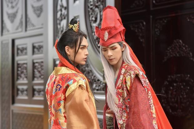 Fan quốc tế tố Canh Ba đạo tạo hình Bạch Liên từ nhân vật Đài Loan, sự thật lại lấy cảm hứng từ cổ phục Việt Nam? - Ảnh 4.