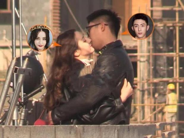 Hôn nhau đắm đuối không rời ở hậu trường, bảo sao Hoàng Cảnh Du và Địch Lệ Nhiệt Ba không phim giả tình thật - Ảnh 1.