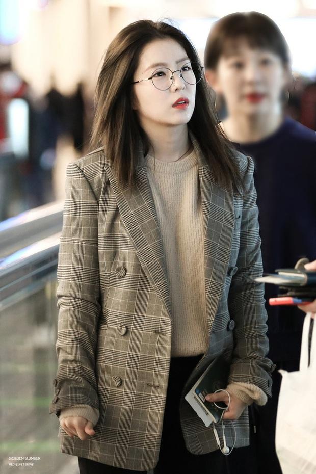 Mấy nàng Red Velvet diện blazer theo 11 cách cực trẻ và chất, bạn không tham khảo thì Tết này thiệt mất mấy phần sành điệu - Ảnh 1.