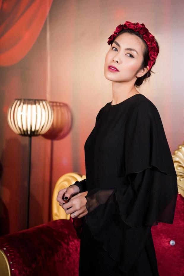 Elly Trần và Hà Tăng cùng đu trend bờm nhung nhưng người quyến rũ bạo liệt, người lại biến hóa khôn lường - Ảnh 4.