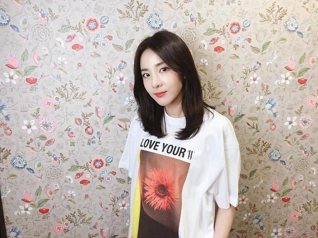 Muốn tóc mình đẹp chuẩn mực như Song Hye Kyo cùng loạt sao Hàn thì bạn phải nghe 7 bí kíp từ họ - Ảnh 4.