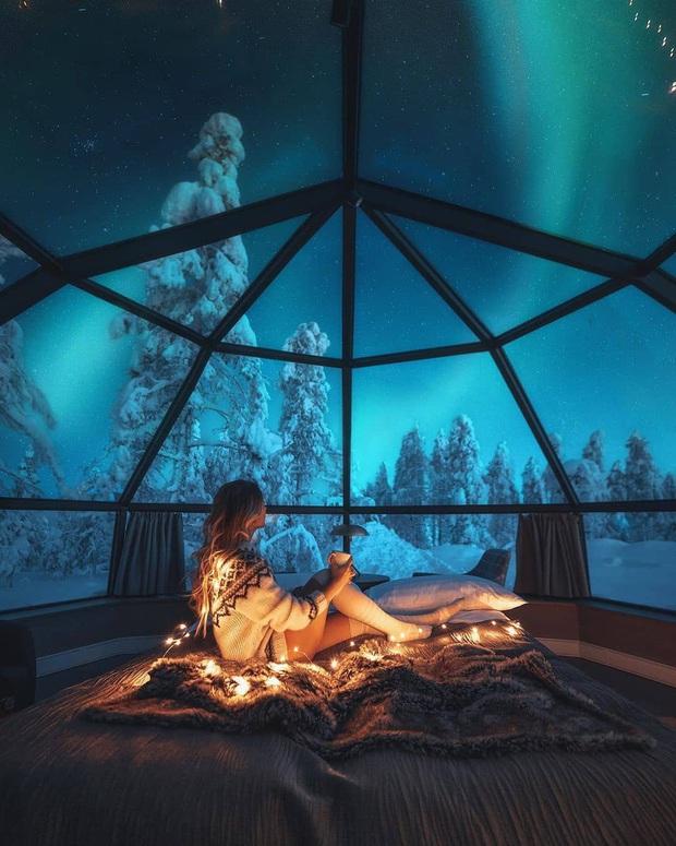 Khách sạn có view đắt giá nhất thế giới chính là đây: Nhà kính 360 độ tha hồ cho khách ngắm Bắc cực quang đẹp như một giấc mơ - Ảnh 1.