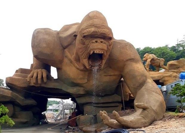 Lót dép hóng công viên King Kong - khủng long siêu to khổng lồ sắp khai trương tại Hạ Long - Ảnh 1.