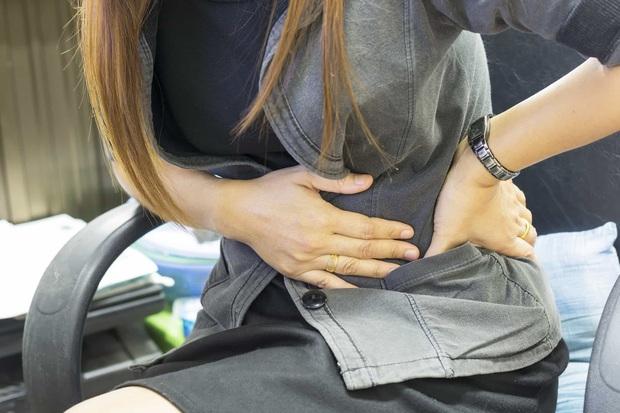 Trải qua những ngày đau ê ẩm trong kỳ rớt dâu suốt 10 năm liền, cô gái 27 tuổi không ngờ mình mắc phải căn bệnh gây vô sinh cao - Ảnh 2.