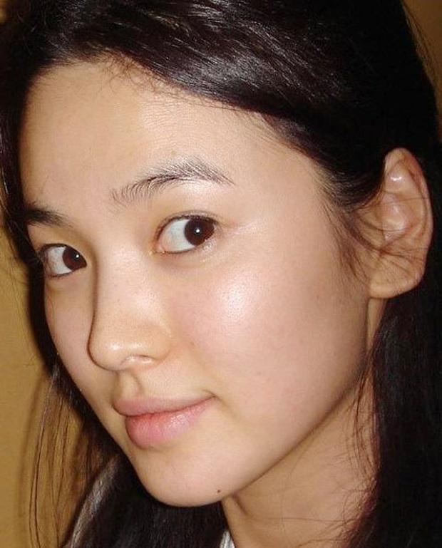 Vẫn biết Song Hye Kyo sở hữu visual đẳng cấp nhất nhì xứ Hàn nhưng cận cảnh làn da của mỹ nhân mới thực sự gây choáng - Ảnh 3.