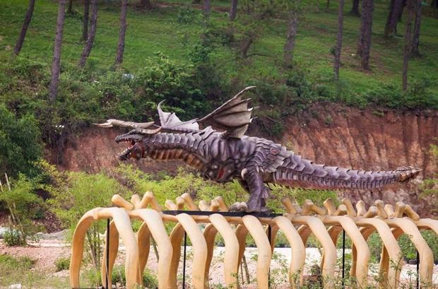 Lót dép hóng công viên King Kong - khủng long siêu to khổng lồ sắp khai trương tại Hạ Long - Ảnh 4.
