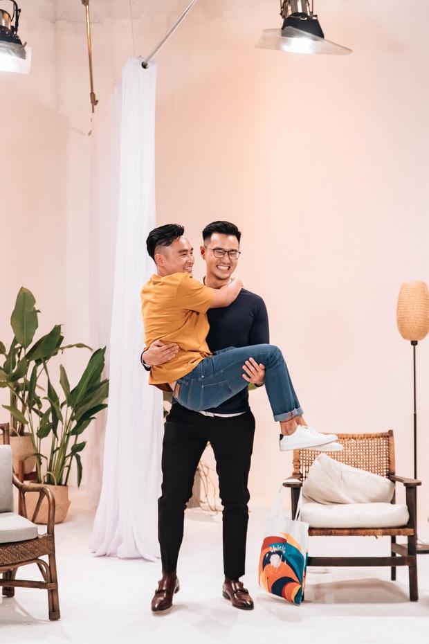 Thêm 1 cặp đôi LGBT chính thức hẹn hò sau khi tham gia show mai mối của VJ Dustin Phúc Nguyễn! - Ảnh 1.
