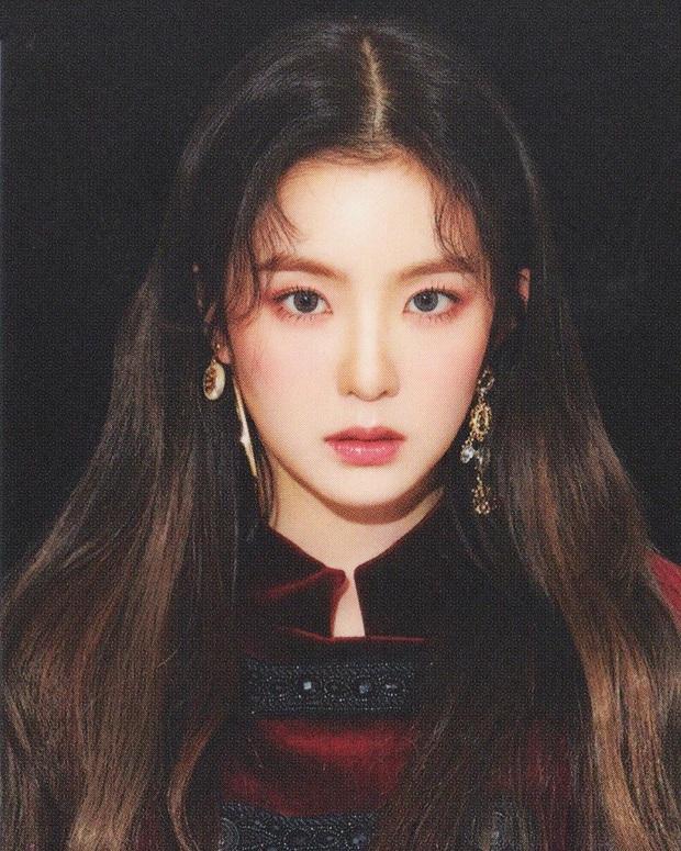 Irene và Seulgi (Red Velvet) cực tình tứ trong poster đậm mùi liêu trai, khoe góc nghiêng thần thánh nhưng fan chỉ thấy như quảng cáo... dầu gội? - Ảnh 2.