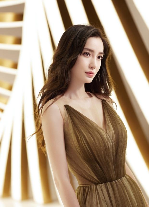 Top mỹ nhân Cbiz được yêu thích nhất Thái Lan: Nhiệt Ba - Dương Mịch tranh nhau No.1, vị trí Angela Baby gây bất ngờ - Ảnh 10.