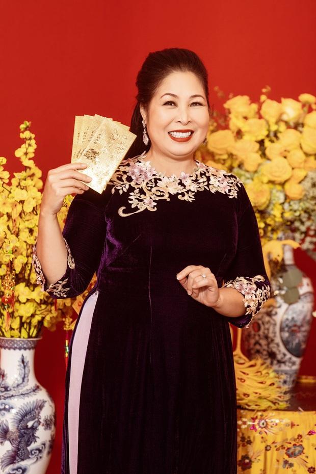Mệ nội Hồng Vân và Lan Ngọc bắn rap tung toé, khoe độ giàu sang trong clip chúc tết cùng hội Gái Già Lắm Chiêu 3 - Ảnh 5.