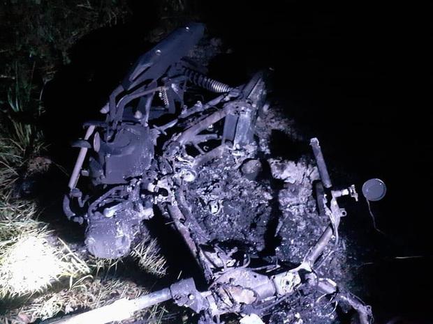 Hiệp sĩ ở làng Đại học TP.HCM bị 10 thanh niên rượt chém, đốt xe, đốt luôn cả chỗ ở - Ảnh 2.