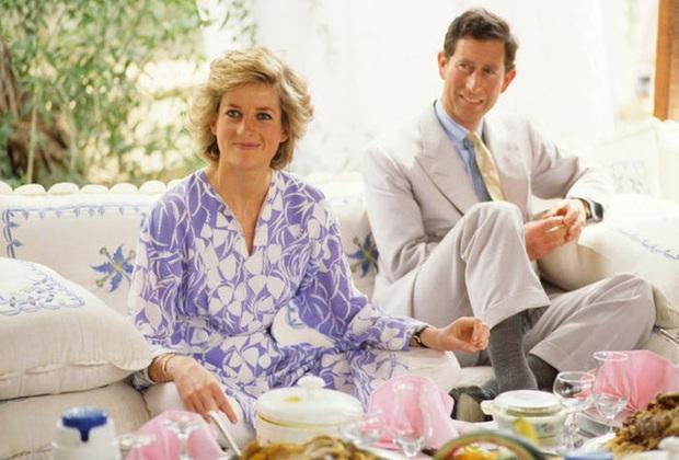 Cựu đầu bếp riêng của Công nương Diana hé lộ cuộc sống hoàng gia phía sau cánh cửa cung điện, bất ngờ nhất là sở thích bình dị này của Thái tử Charles  - Ảnh 2.
