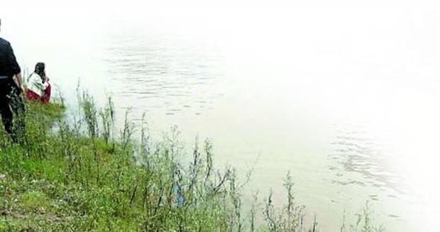 Đi tác nghiệp về ô nhiễm không khí, phóng viên tình cờ chụp được khoảnh khắc cuối cùng của cặp đôi nhảy cầu tự tử gây rùng mình - Ảnh 3.