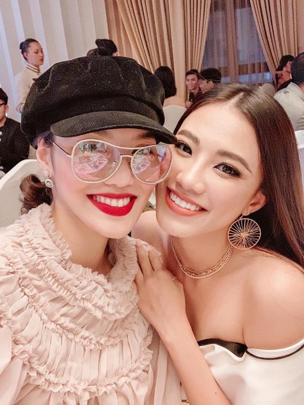 Lan Khuê đọ sắc bên Hoa hậu Khánh Vân và Á hậu Kim Duyên: Ảnh đời thường vẫn chuẩn gái một con mòn con mắt - Ảnh 1.