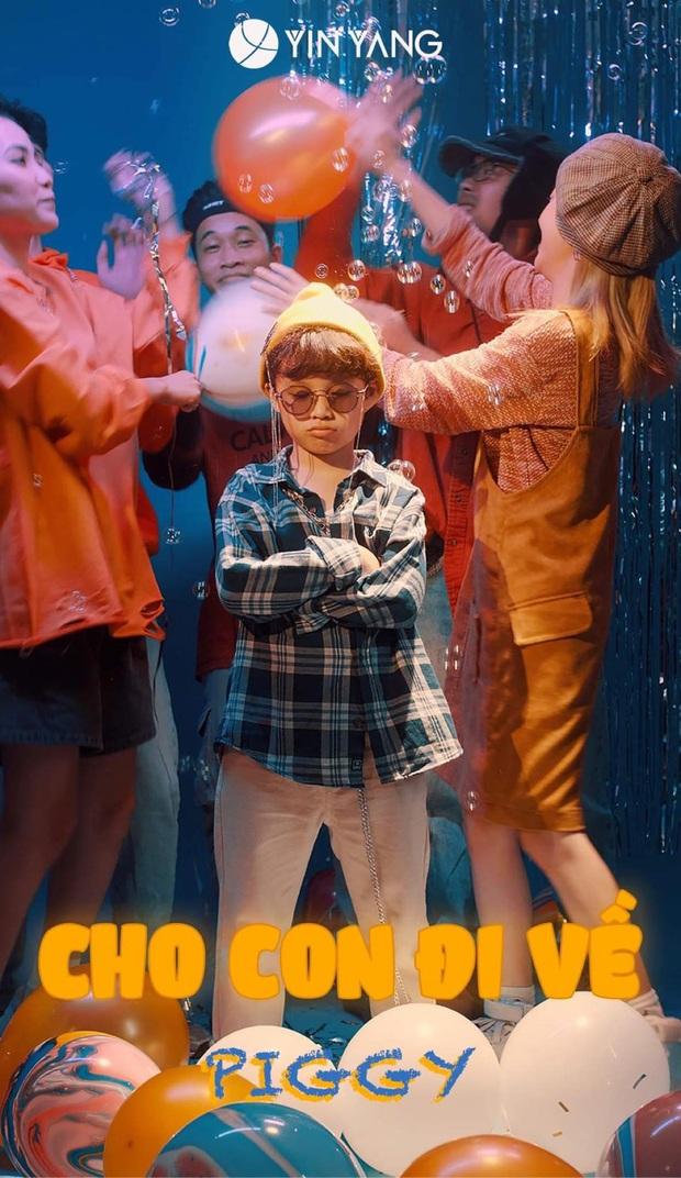 MV cool nhất mùa Trung thu năm nay: Rapper 8 tuổi không hiểu vì sao ra đường đi chơi chỉ toàn thấy người lớn! - Ảnh 2.