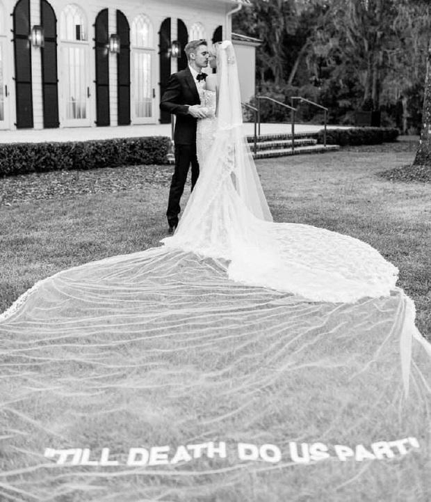 Justin Bieber kỷ niệm 1 năm tổ chức hôn lễ với Hailey Baldwin, tâm sự mùi mẫn và ảnh hiếm tình bể bình được chia sẻ - Ảnh 5.