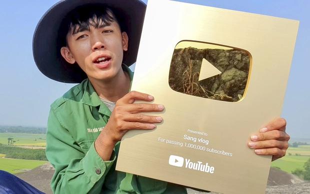 """""""Đại chiến"""" giữa các kênh du lịch - ẩm thực hot nhất Việt Nam: Nhiều cái tên cũ dần """"đuối sức"""", 2 tân binh mới xếp trên cả dàn YouTuber kỳ cựu? - Ảnh 10."""