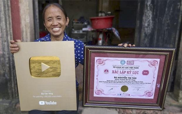 """""""Đại chiến"""" giữa các kênh du lịch - ẩm thực hot nhất Việt Nam: Nhiều cái tên cũ dần """"đuối sức"""", 2 tân binh mới xếp trên cả dàn YouTuber kỳ cựu? - Ảnh 17."""