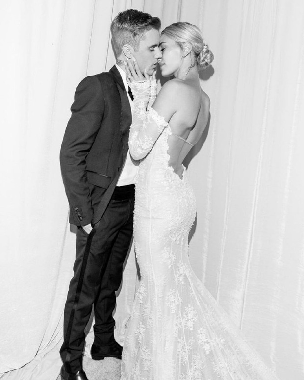 Justin Bieber kỷ niệm 1 năm tổ chức hôn lễ với Hailey Baldwin, tâm sự mùi mẫn và ảnh hiếm tình bể bình được chia sẻ - Ảnh 7.