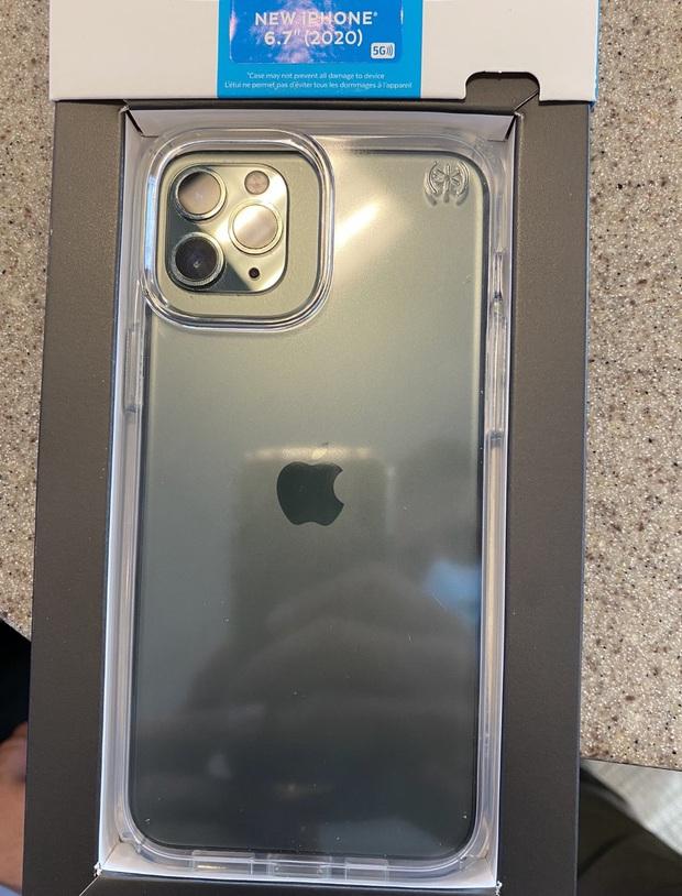 iPhone 12 Pro Max lộ mặt lưng, cụm camera có nhiều thay đổi - Ảnh 3.