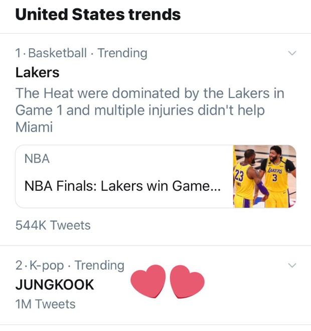 BTS hóa thiên nga đen ma mị trên show Mỹ, Jungkook vẫn làm fan điên đảo vì mặc áo xuyên thấu và búi tóc cực ngầu - Ảnh 9.
