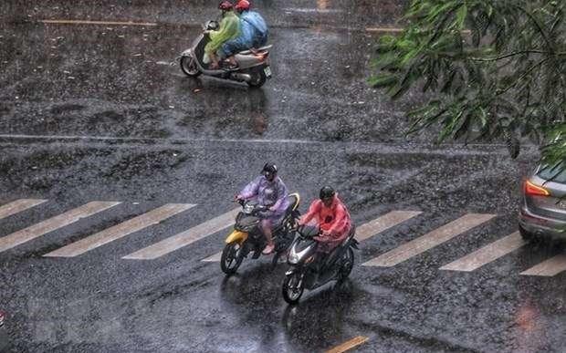 Dự báo thời tiết: Hà Nội mưa rào, cảnh báo lốc và sét trong ngày Tết Trung thu - Ảnh 1.