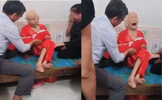 Xúc động cảnh Mẹ Việt Nam anh hùng 110 tuổi khóc nức nở khi đón nhận hài cốt con là liệt sỹ - Ảnh 1.