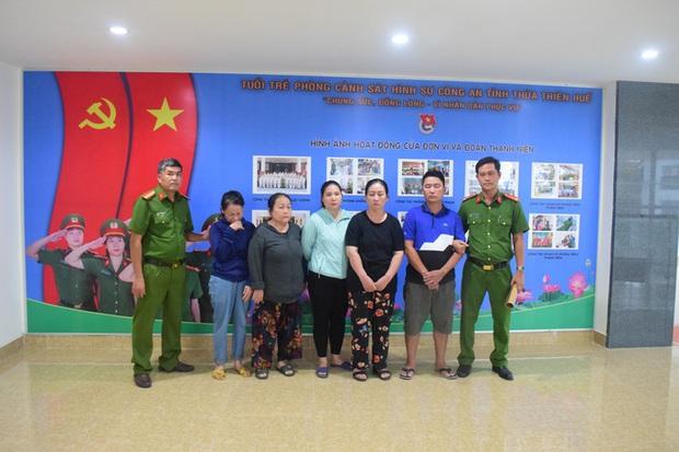 Cả gia đình 5 người lái ôtô từ Nghệ An vào Huế để hành nghề... móc túi - Ảnh 1.