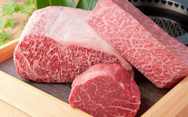 Có giá gần 1.600 USD/kg, đây là cách những miếng thịt bò thượng hạng của thượng hạng ra đời - Ảnh 1.