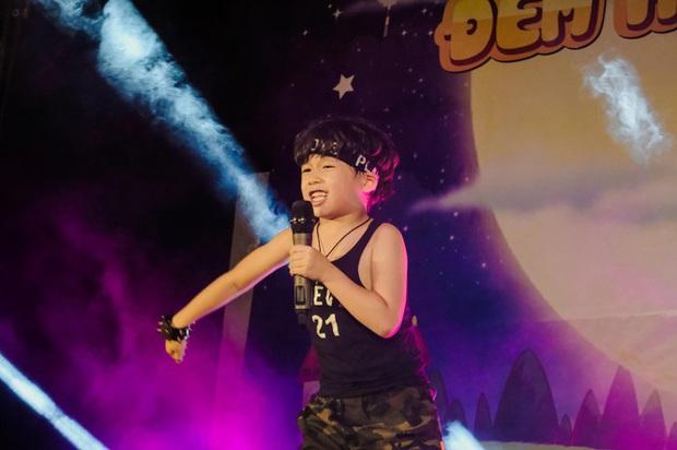 MV cool nhất mùa Trung thu năm nay: Rapper 8 tuổi không hiểu vì sao ra đường đi chơi chỉ toàn thấy người lớn! - Ảnh 8.