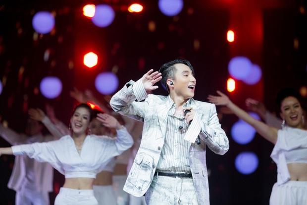 Dàn sao Chàng Trai Năm Ấy sau 6 năm: Sơn Tùng M-TP chưa bao giờ ngừng hot, Hari Won phủ sóng gameshow - Ảnh 7.