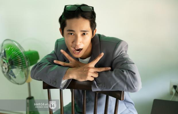 Anh Tú Wilson (Ròm): Ở Busan thằng Phúc không ác bằng ở Việt Nam, còn bản phim chiếu sân nhà có after-credit mà nhiều người không biết! - Ảnh 13.