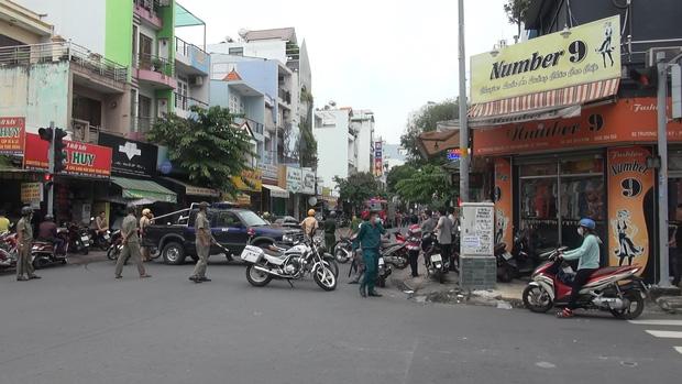 Đã bắt được người phụ nữ cướp 2 tỷ ở chi nhánh ngân hàng Techcombank tại Sài Gòn - Ảnh 1.