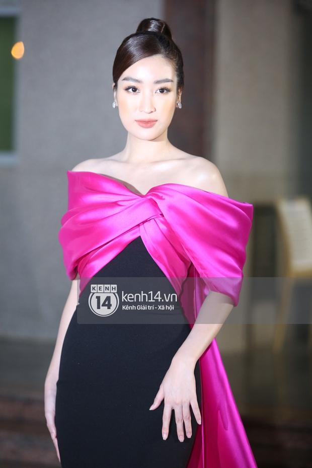 Thảm đỏ Bán kết Hoa hậu Việt Nam 2020: Tiểu Vy và Á hậu rapper bức tử vòng 1, Bình An - Phương Nga tình tứ bên dàn sao phủ hồng sự kiện - Ảnh 5.